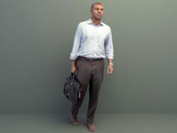 Çantalı Adam