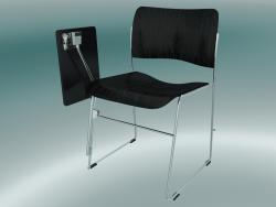 Chaise avec une table abaissée