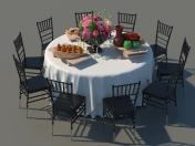 Mesa de comedor cubierta con sillas