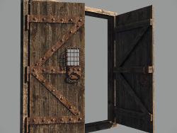 Старинная крепостная дверь