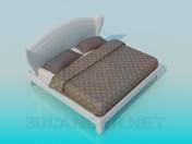 Кровать с мягким быльцем