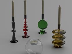 ग्लास कैंडलस्टिक्स और मोमबत्तियाँ